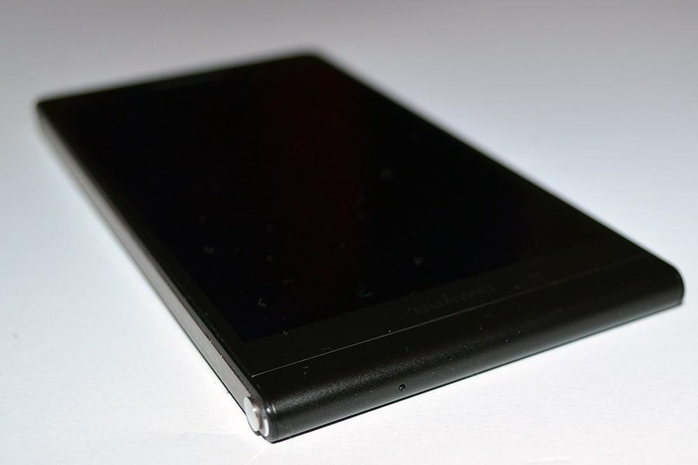 Huawei Ascend P6 smartfon dol