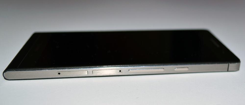 Huawei Ascend P6 smartfon sloty